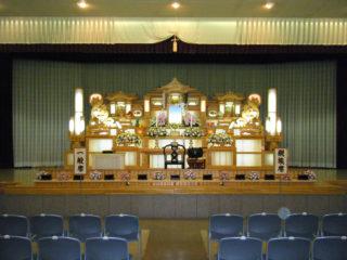 益田会館大ホール(約300人)